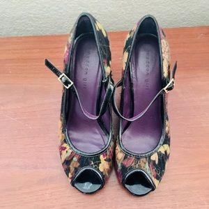 Retro Mary Jane Peep-Toe Pumps